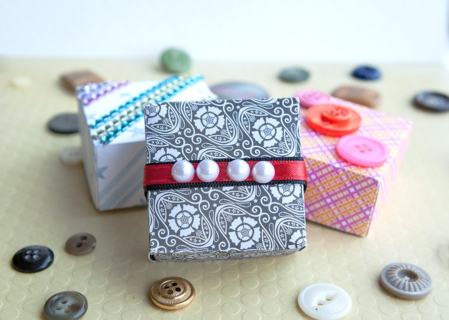 Miniature Gift Boxes & Holders